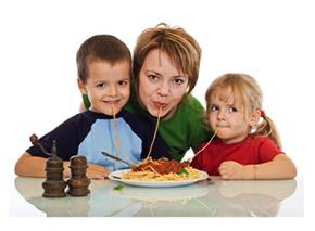 ทุกคนในครอบครัวกินเร็ว