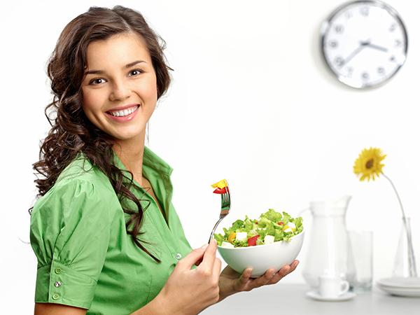ในช่วงลดน้ำหนักเวลากินเป็นตัวกำหนด แคลอรี่เท่ากัน คนหนึ่งอ้วน แต่อีกคนกลับผอม
