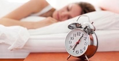 ตื่นและนอนให้เป็นเวลา