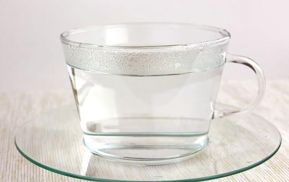 ลดความอ้วนง่ายๆ ด้วยการดื่มน้ำอุ่นทุกวัน